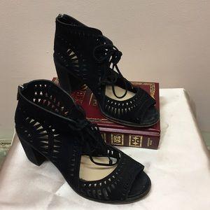 Vince Camuto Block Heel Sandal, 7M